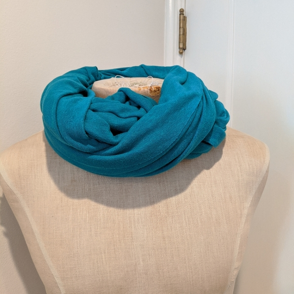 American Apparel Circle Scarf in Turquoise